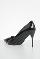 Plum - Poca court - black