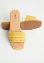 Plum - Chesire sandal - yellow