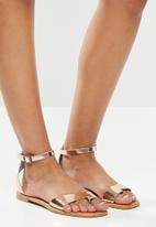 Superbalist - Gean leather ankle strap sandal - rosegold