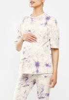Missguided - Maternity tie dye T-shirt - white & purple