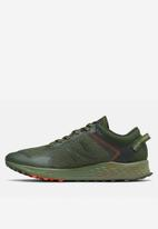 New Balance  - Arishi trail - orange & green