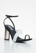 Madison® - Kelly heel - black & white