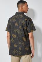 Superbalist - Theo regular fit pattern shirt - black & brown