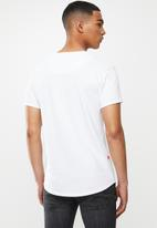 S.P.C.C. - Edgerton signature scooped hem T-shirt - white