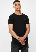 S.P.C.C. - Edgerton signature scooped hem T-shirt - black