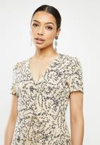 Missguided - Half button midi tea dress short sleeve floral - neutral