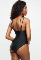 Missguided - Scoop neck double strap swimsuit - black
