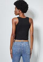 Superbalist - 2 Pack cropped rib vest - black & white