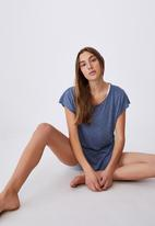 Cotton On - Active scoop hem tshirt - steel blue marle
