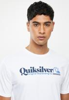Quiksilver - Rear view short sleeve tee - white