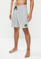 Quiksilver - Everyday solid 19 shorts - grey