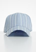 Superbalist - Pinstripe peak cap - blue & white