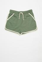 Cotton On - Nina knit short multipack - swag green/chalky mauve/phantom vanilla bind
