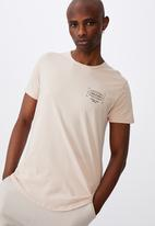 Factorie - Local and loyal curved graphic T-shirt - dirty pink