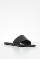 edit - Kody leather slide - black
