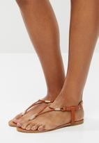 edit - Julie t-bar sandal - tan