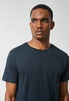 Superbalist - Nate crew neck tee - navy