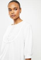 edit - Puff sleeve embroidered tee - white