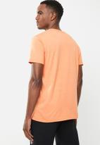 Holmes Bro's - Label tee - orange melange