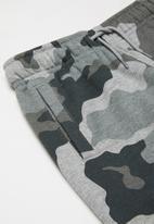 Converse - Collegiate camo fleece - grey