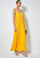 Superbalist - V-neck strappy pleated maxi dress - yellow