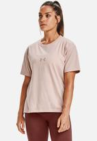 Under Armour - Live fashion graphic tee - pink