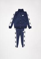 Nike - Nse nike tricot set - navy & white