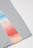 Nike - Nkb get outside knit short - grey
