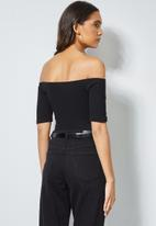 Superbalist - Fitted rib bardot top - black
