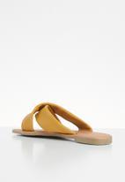 Superbalist - Zicho leather slide - yellow