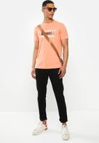 Diesel  - T-diegos-k32 T-shirt - orange