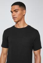 Superbalist - Dylan crew neck pocket tee - black