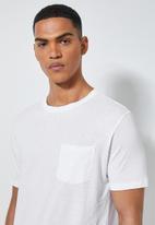 Superbalist - Dylan crew neck pocket tee - white