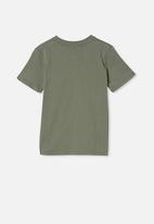 Cotton On - Co-lab tee - green