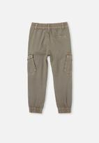 Cotton On - Noah cargo pant - green