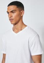 Superbalist - 2-pack Dean v-neck tee - white