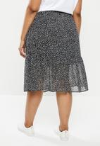 Cotton On - Curve kirsty midi sheer skirt - ingrid ditsy black