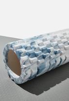 Cotton On - Foam roller - baby blue swirl