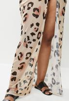 Missguided - Plus size leopard mesh maxi kimono - neutral