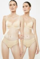 MAGIC®  Bodyfashion - 2 Pack dream invisibles thongs - beige