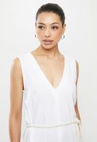 edit - V-neck swing linen dress - white