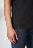 Superbalist - 2 pack Dean v-neck tee - black