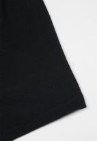Rebel Republic - Easy elasticated short - black