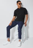 Superbalist - Siya slim pique mandarin golfer - black