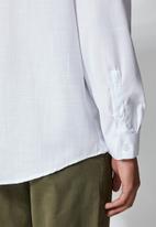 Superbalist - Barber regular fit long sleeve shirt - white