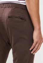Cotton On - Drake cuffed pant - burgundy
