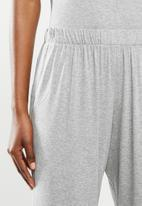 Superbalist - Sleep cami & pants set - grey