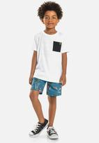 Quimby - Boys tee & printed sweat short set - white