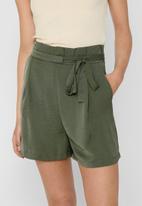 ONLY - Amanda shorts - olive