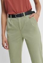 ONLY - Caroline-pina high waist carrot pant - sage